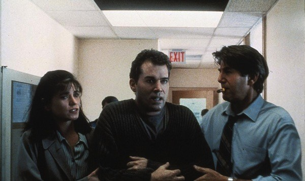 Linda Fiorentino, Ray Liotta and Peter Coyote in Unforgettable (Photo: Kino)