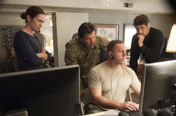 Emily Blunt, Josh Brolin (back center) and Benicio Del Toro (back right) in Sicario (Photo: Lionsgate)