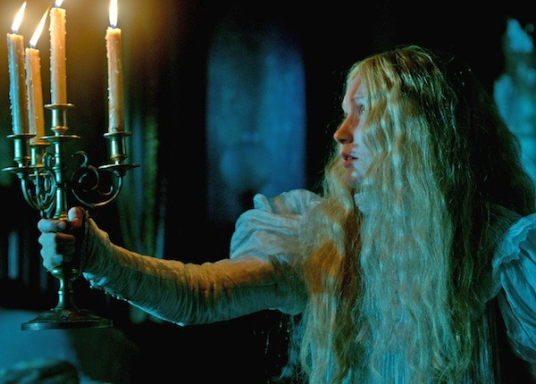 Mia Wasikowska in Crimson Peak (Photo: Universal)