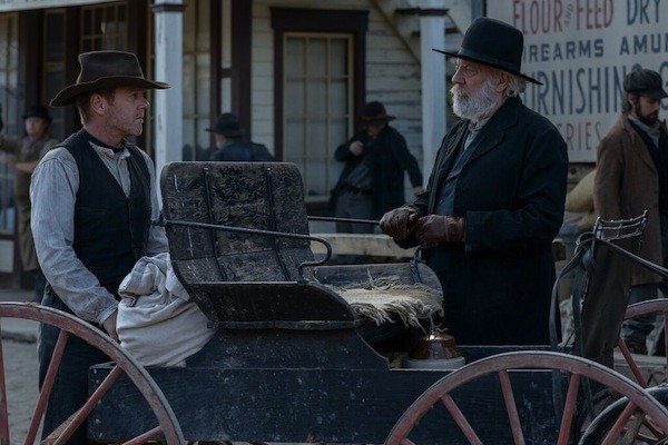 Kiefer Sutherland and Donald Sutherland in Forsaken
