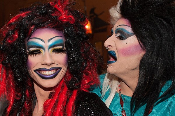 The lovely Bethann Phetamine and Lillith Deville. (Photo by Justin Driscoll)
