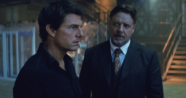 Tom Cruise and Russell Crowe in The Mummy (Photo: Universal)