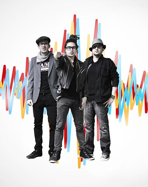 "Bakalao Stars are: Christian ""Mista Reggaeman"" Anzola (center) flanked by Jaime ""Mr. Popo"" Bueno (left) and Diego Garzon."