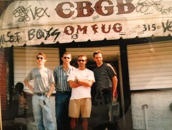 Pen15 before their gig at CBGBs 10-9-1997 - Uploaded by F7b9 resolves to BbMaj7