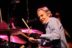 Levon Helm performs at the Knight Theater in 2010. (Photo by Jeff Hahne)