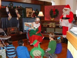 e276046e_mrs._claus_reading_night_before_christmas_400x300_.jpg