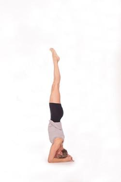 829f7ffb_mara_headstand.jpg