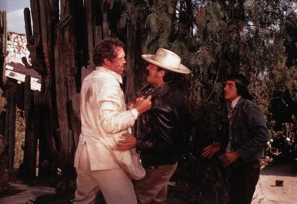 Warren Oates (left) in Bring Me the Head of Alfredo Garcia (Photo: Twilight Time)