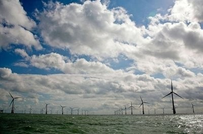 World's largest wind farm, off the southeast coast of England