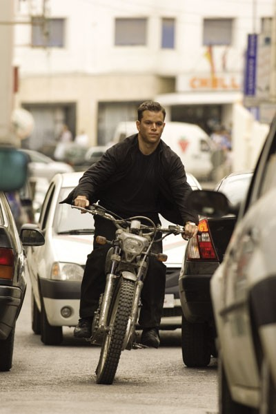 ZOOM TO MANEUVER: Jason Bourne (Matt Damon) takes to the streets in The Bourne Ultimatum. - JASIN BOLAND / UNIVERSAL