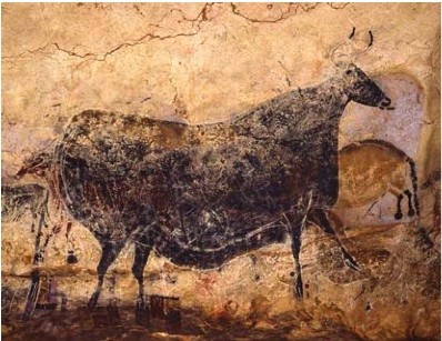 A painting of a black cow from Lascaux.