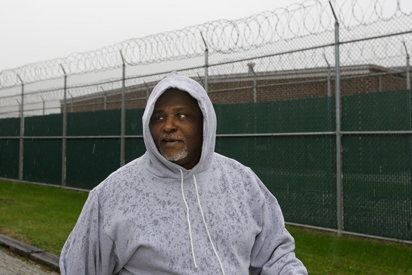 Alstory Simon leaving the Jacksonville Correction Center as a free man on October 30, 2014, in Jacksonville, Illinois - AP PHOTO/SETH PERLMAN