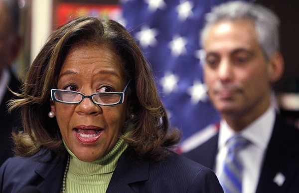 As the CEO of the Chicago Public Schools, Barbara Byrd-Bennett didn't keep much distance from Mayor Rahm Emanuel.