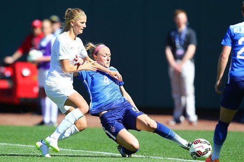 Becky Sauerbrunn (number four in blue) is going to the Womens World Cup.