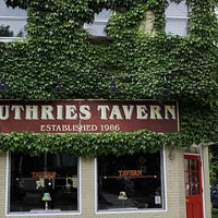 Best Bar for Teetotalers in the Endless-Keg-Stand-of-a-Neighborhood That Is Wrigleyville