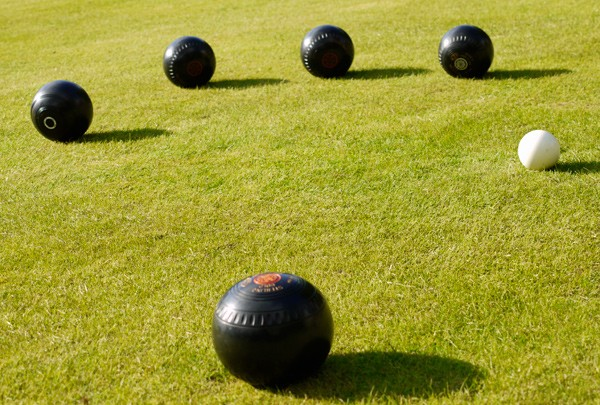 lawnbowling_by-jenny-poole_mag.jpg