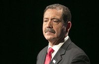Forgive Phil Ponce his unpleasant questions to Chuy