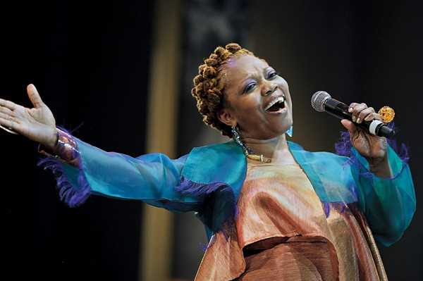 Dee Alexander performs in the Petrillo Music Shell at the 2009 Chicago Jazz Festival. - OSCAR LOPEZ/SUN-TIMES MEDIA