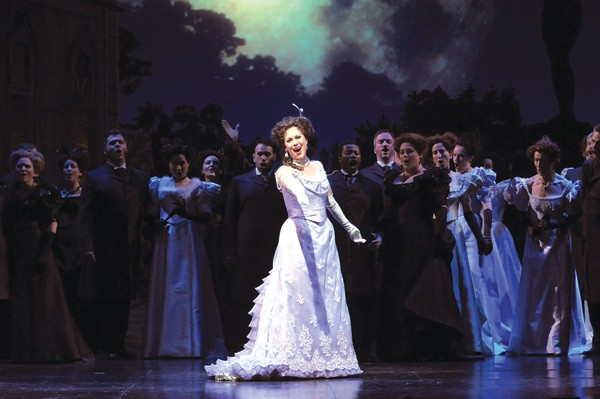 Elizabeth Futral in The Merry Widow - DAN REST