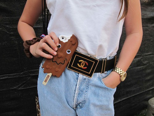Eloises cool accessories (want that belt!)