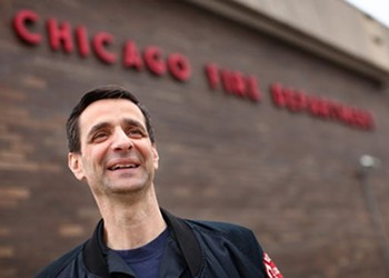 Chicago firefighters give Mayor Rahm $25,000