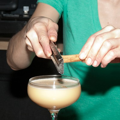 Step-by-step instructions for making a Balena bartender's lentil cocktail