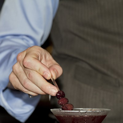 Step-by-step instructions for making a Clark Street Ale House bartender's Dirty Streisand