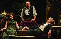 Goodman Theatre's <i>The Little Foxes</i> gives us a woman to rival Lady Macbeth