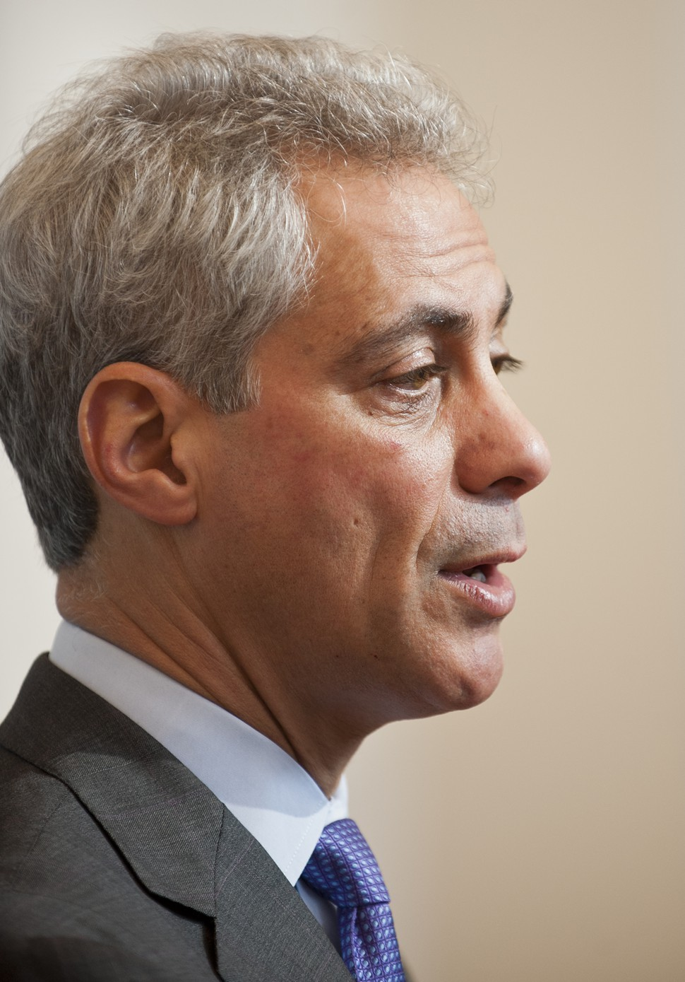 Its up to Mayor Rahm Emanuel to decide to fight the meter privatization deal