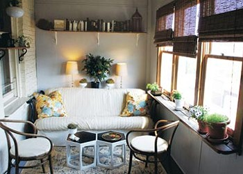 Makeover: From storage space to chic sunporch, for $150