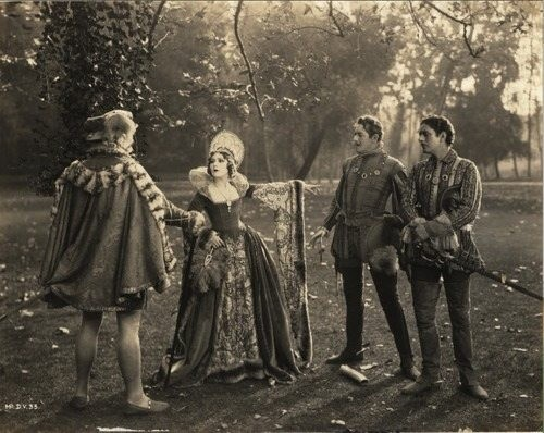 Mary Pickford (center) as Dorothy Vernon of Haddon Hall