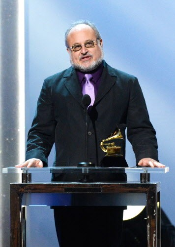 Neil Tesser accepting his Grammy