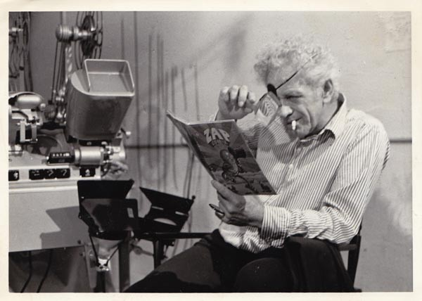 Nicholas Ray checks out an issue of Zap Comix.