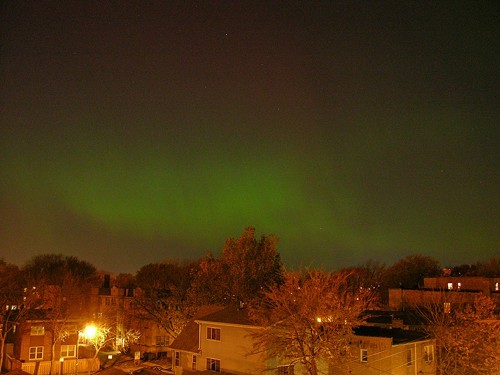 Not an alien invasion: the aurora borealis over Chicago in 2006.