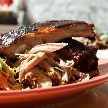 Pleasantly gnawable spare ribs and juicy but defatted pulled pork