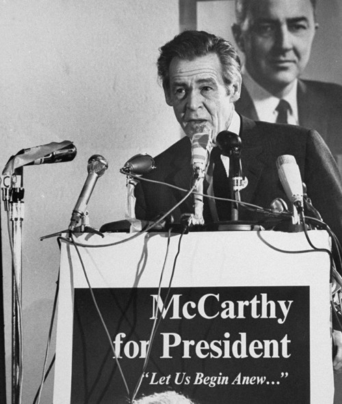 Robert Ryan campaigning for Eugene McCarthy in New Hampshire, March 1, 1968.