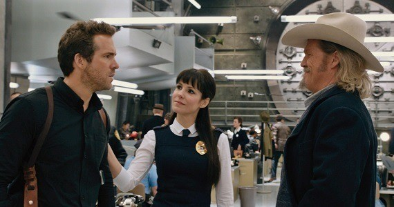 Ryan Reynolds, Mary Louise Parker, and Jeff Bridges in R.I.P.D.