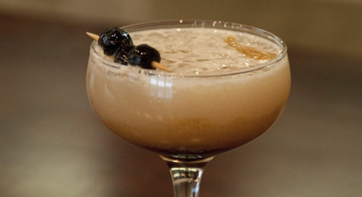 Step-by-step instructions for making a Blackbird bartender's cod milt cocktail