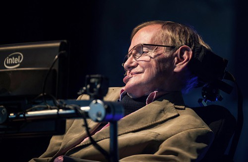 The development of full artificial intelligence could spell the end of the human race, says Stephen Hawking.