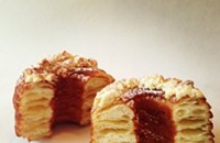 """At last! The cronut (or """"croughnut"""") comes to Chicago!"""