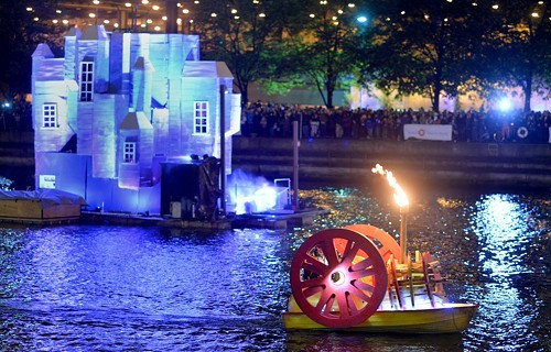 The Great Chicago Fire Fest experiencing technical difficulties