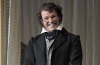Lyric Opera's <i>Fledermaus</i> is wunderbar, but not in English