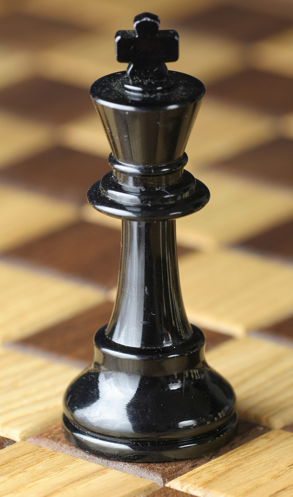 Chess_piece_-_Black_king.jpg