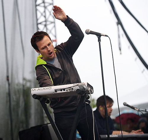 Travis Morrison gets silly as the Dismemberment Plan hopped between new tunes and fan favorites