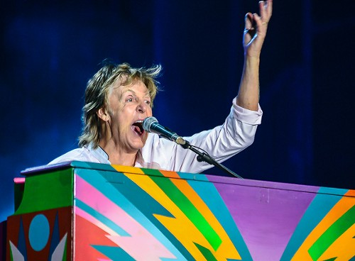 Paul McCartney and his Magical Mystery Piano - BOBBY TALAMINE