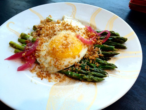 "Asparagus with hamachi ""bottarga"" - MIKE SULA"