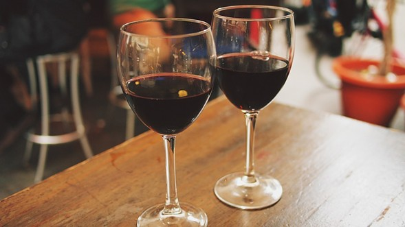 Everywhere in Roscoe Village is a wine bar during the Roscoe Village Wine Stroll on Thu 6/2. - THINKSTOCK