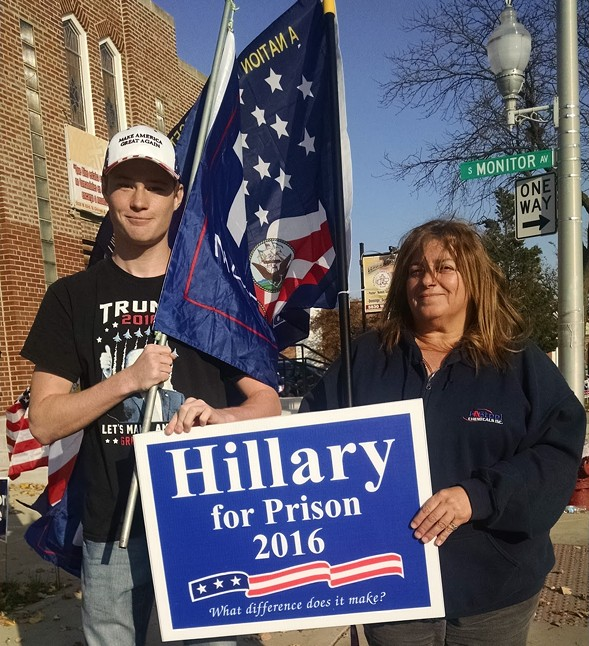 Dave Krupa and Edna Bice in front of a polling place in Clearing - MAYA DUKMASOVA