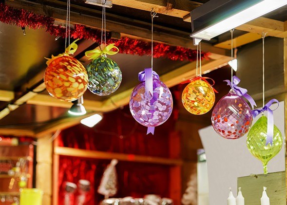 Pick up handmade goods at the Bizarre Bazaar holiday market. - GETTY IMAGES/ISTOCKPHOTO