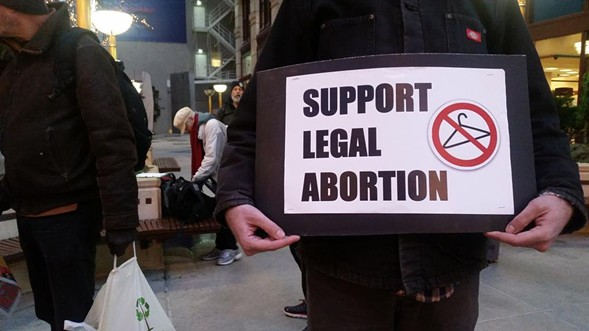 A protester's sign at a rally in the Loop to support legal abortion on December 1, 2015 - @DANEYVILLA/TWITTER
